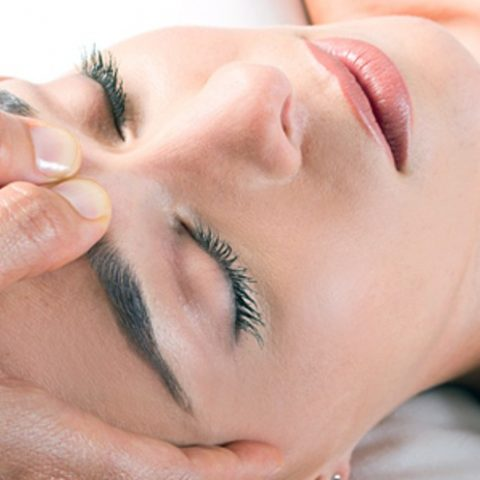 Lymphatic drainage massage for face. How does it look like and what are the effects?