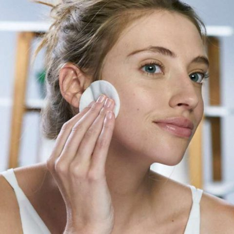 What To Wash Your Face With? Pluses & Minuses of Various Skin Cleansers